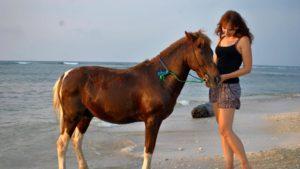 actrice paardrijden