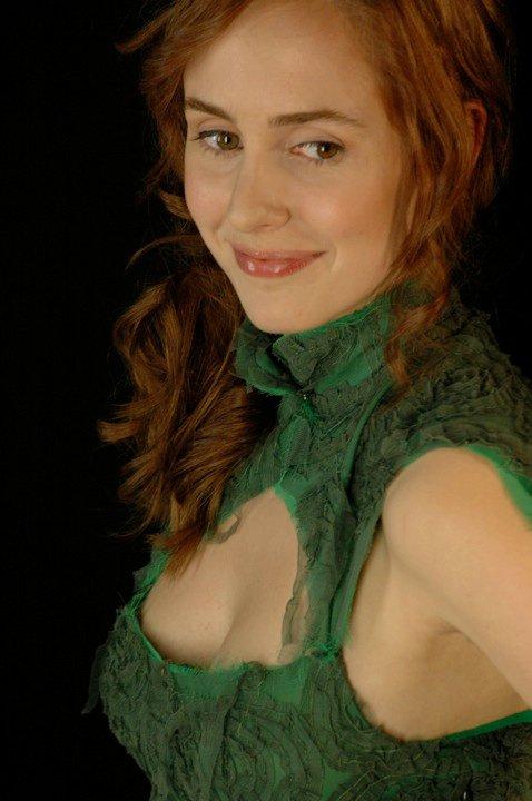 dutch actress dress maria la fuente